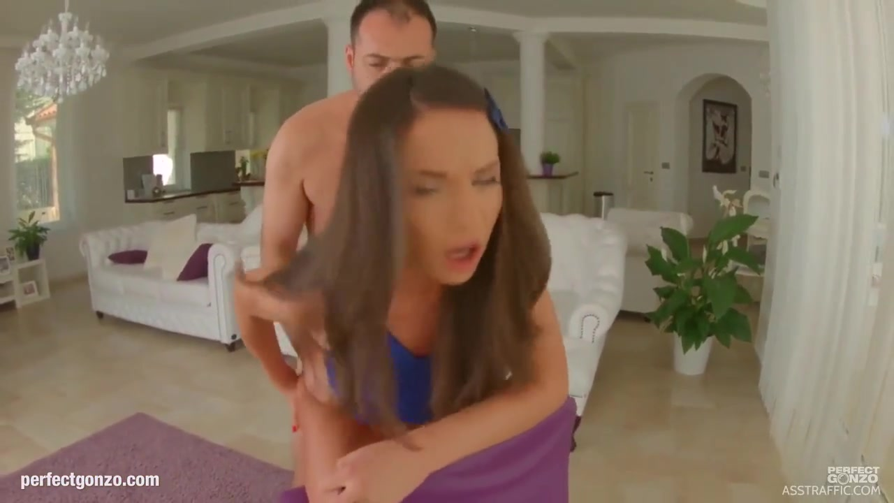 Naughty brunette, Nataly Gold is only thinking about fucking, since her pussy is always wet