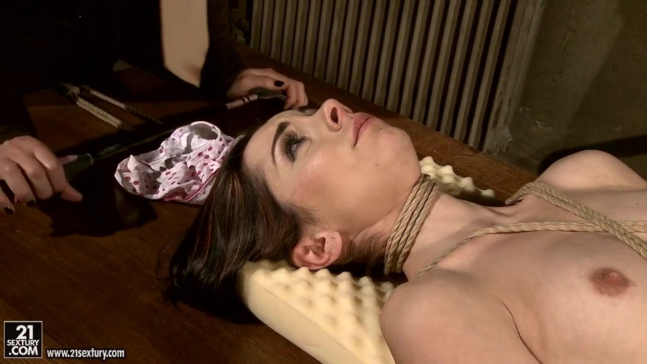 MM - Jeanine Hot, Kathia Nobili
