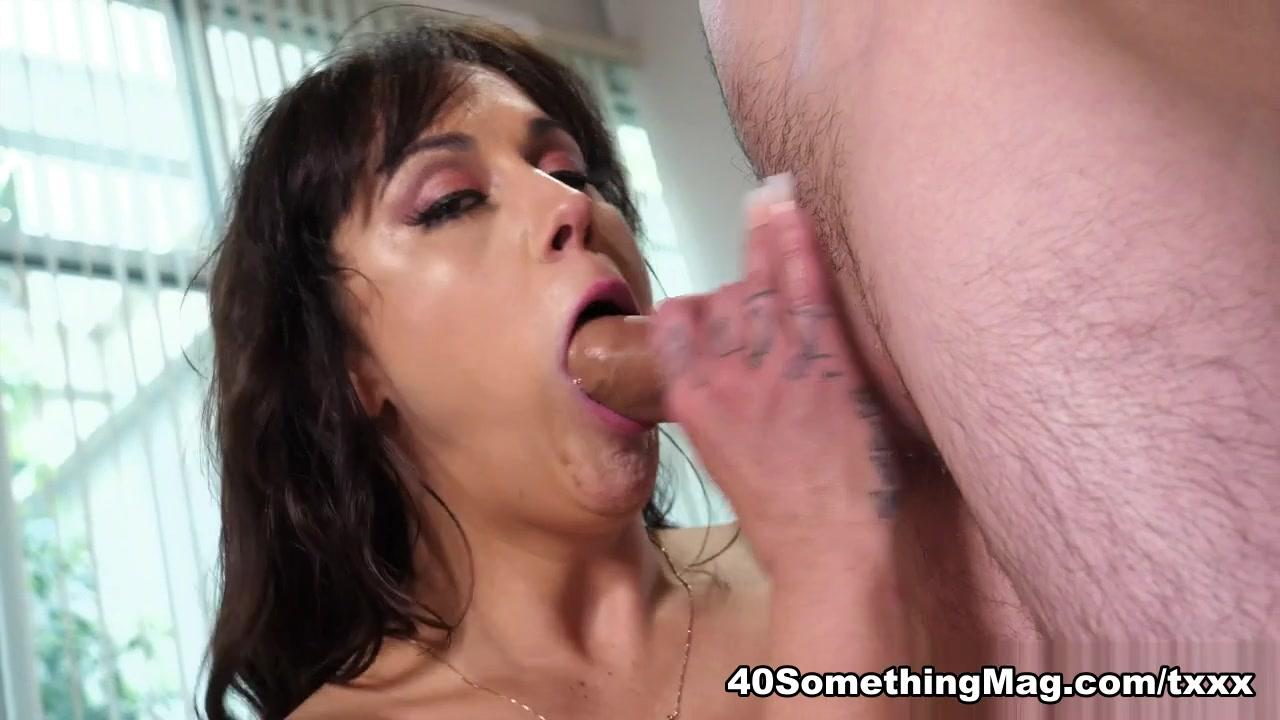 Kali Ryder fucks Juan - Kali Ryder and Juan Loco - 40SomethingMag