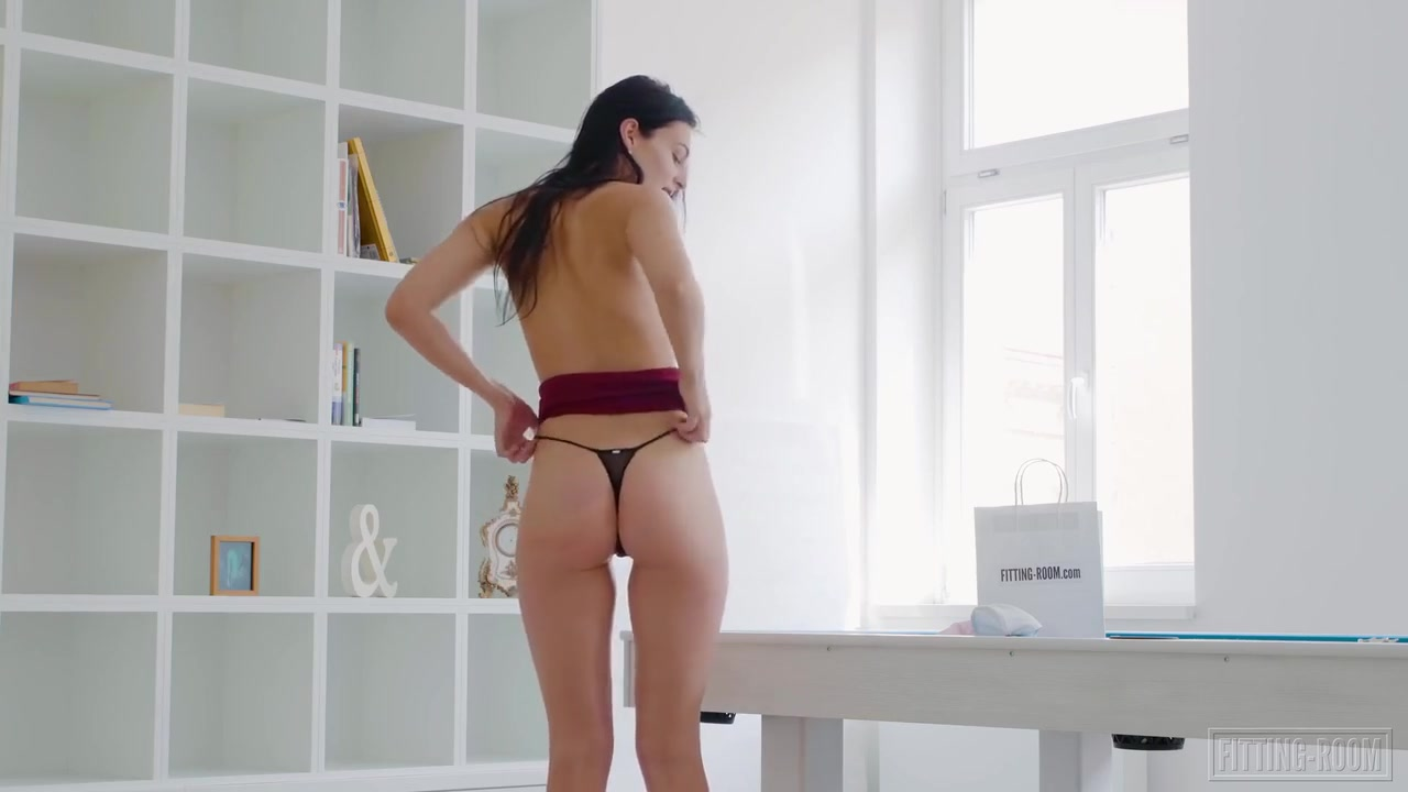 Leanne Lace masturbating and pleasuring