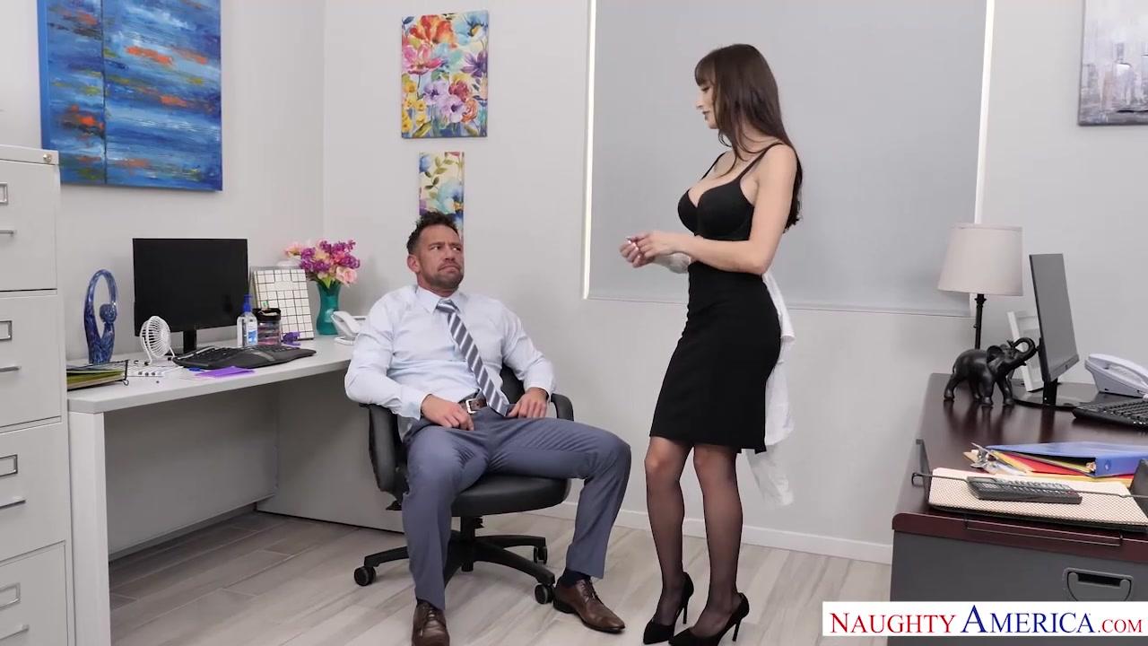 Lexi Luna Fucks Her Coworker - NaughtyOffice