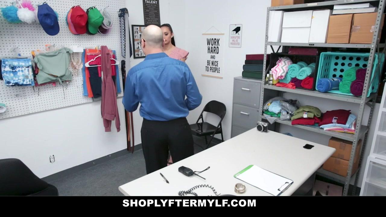 Gia Vendetti in Case #3222976 - ShoplyfterMylf