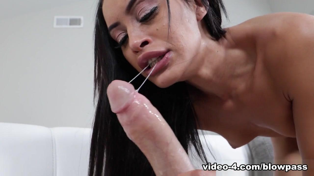 Gia Vendetti in Skinny Gia FaceFucked! - Throated