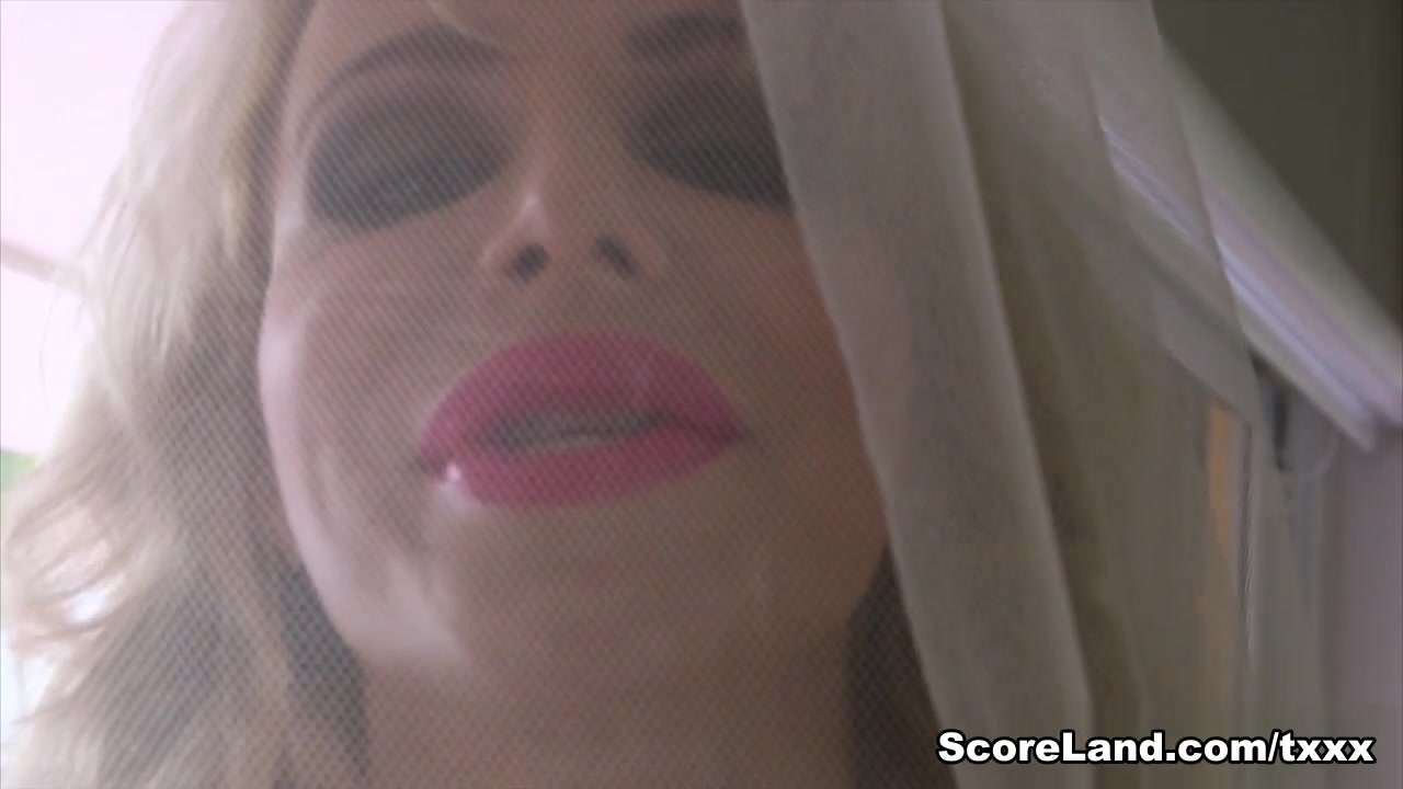 Tits Still A-Poppin' - Danielle Derek - Scoreland
