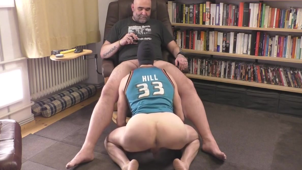 Tall Muscle Hunk Pumping Full Nacko Cum Load