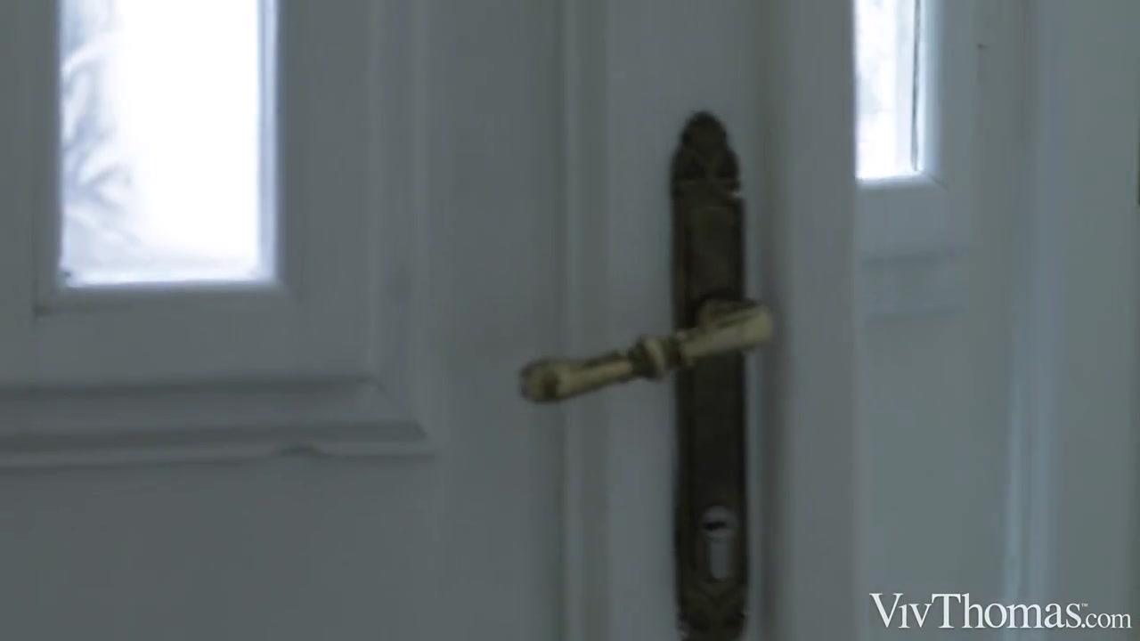 Waiting For You - Alya Stark & Vicky Love - VivThomas