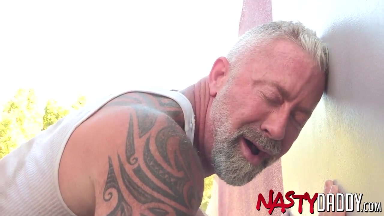 NASTYDADDY Daddy Mack Austin Cums In Lance Chargers Mouth