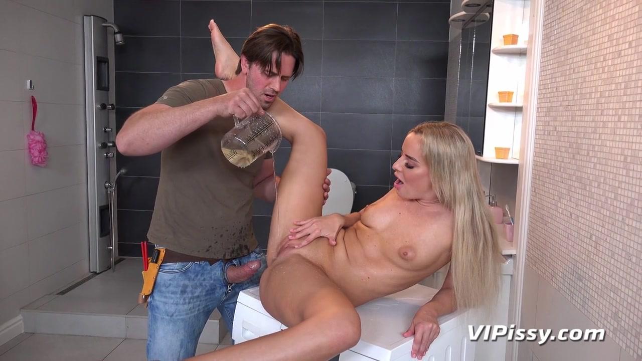 Victoria Pure in HD Pissing Video Victoria Pure And Repairman at Vipissy