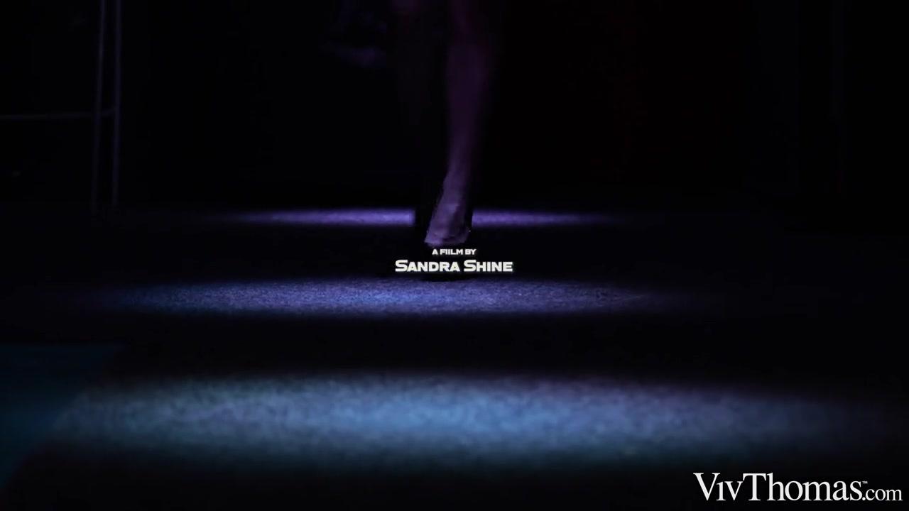 Dark Temptation - Hayli Sanders & Veronica Leal - VivThomas