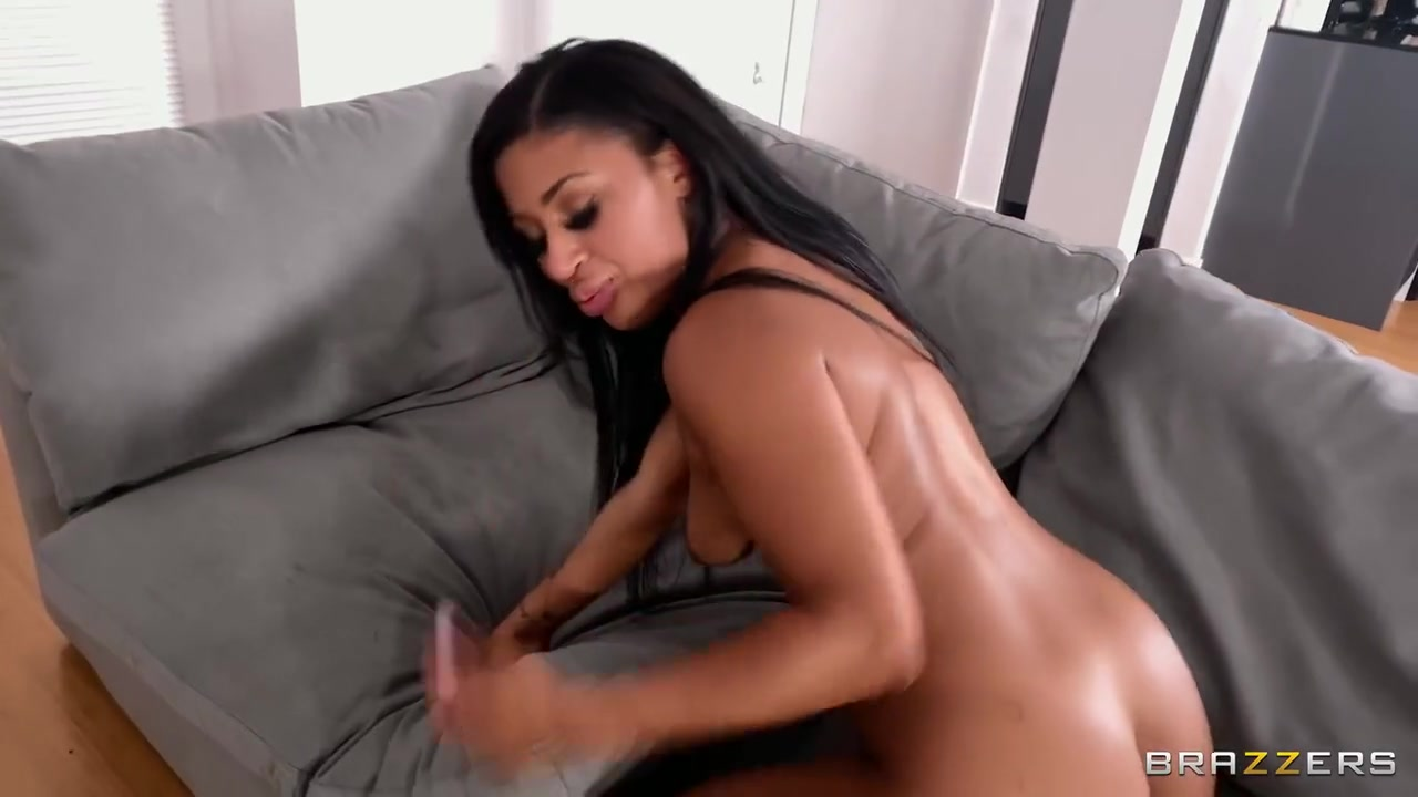 Sommer Isabella - Sommers Big Dick Delivery