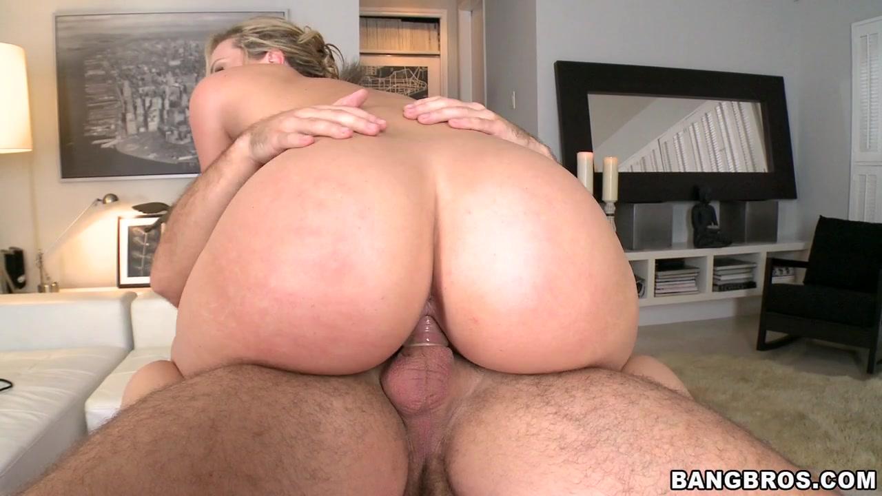 Huge ass on Alexis Texas - PornstarSpa